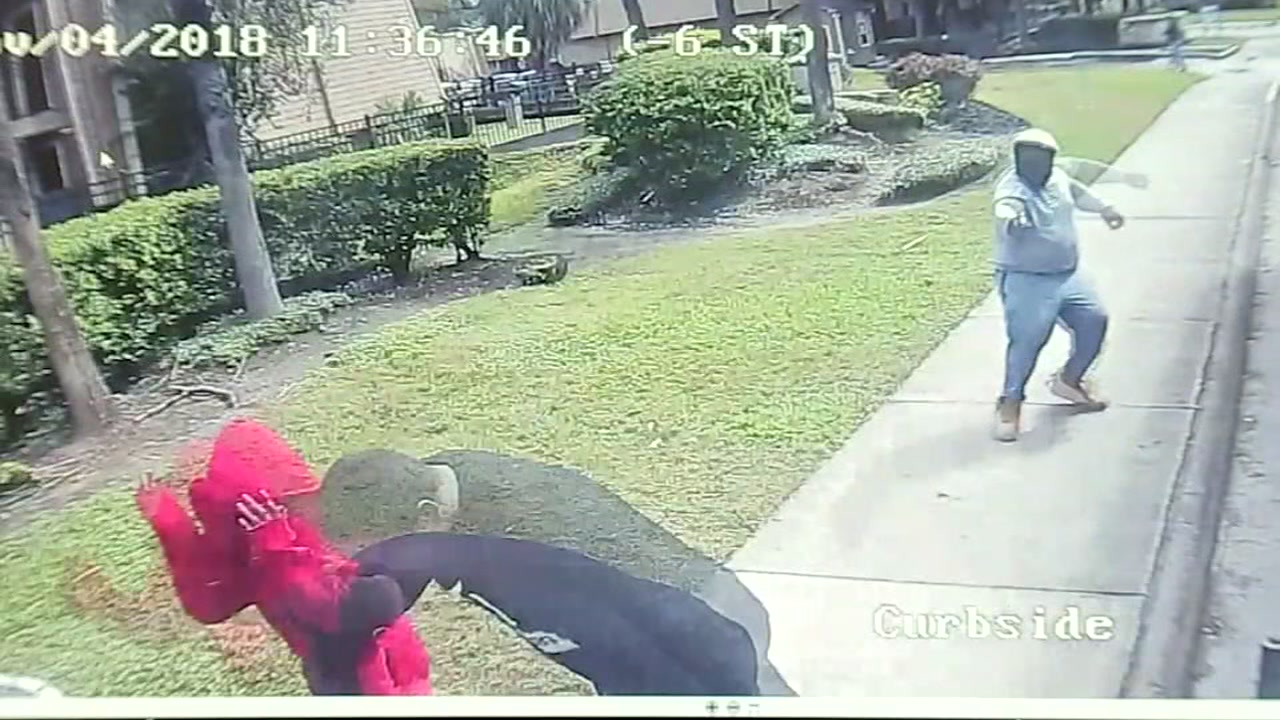New video shows moments 2 men shot in front of METRO bus stop