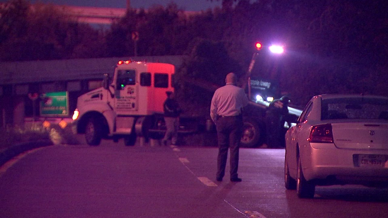 Woman found dead in truck in East Harris County