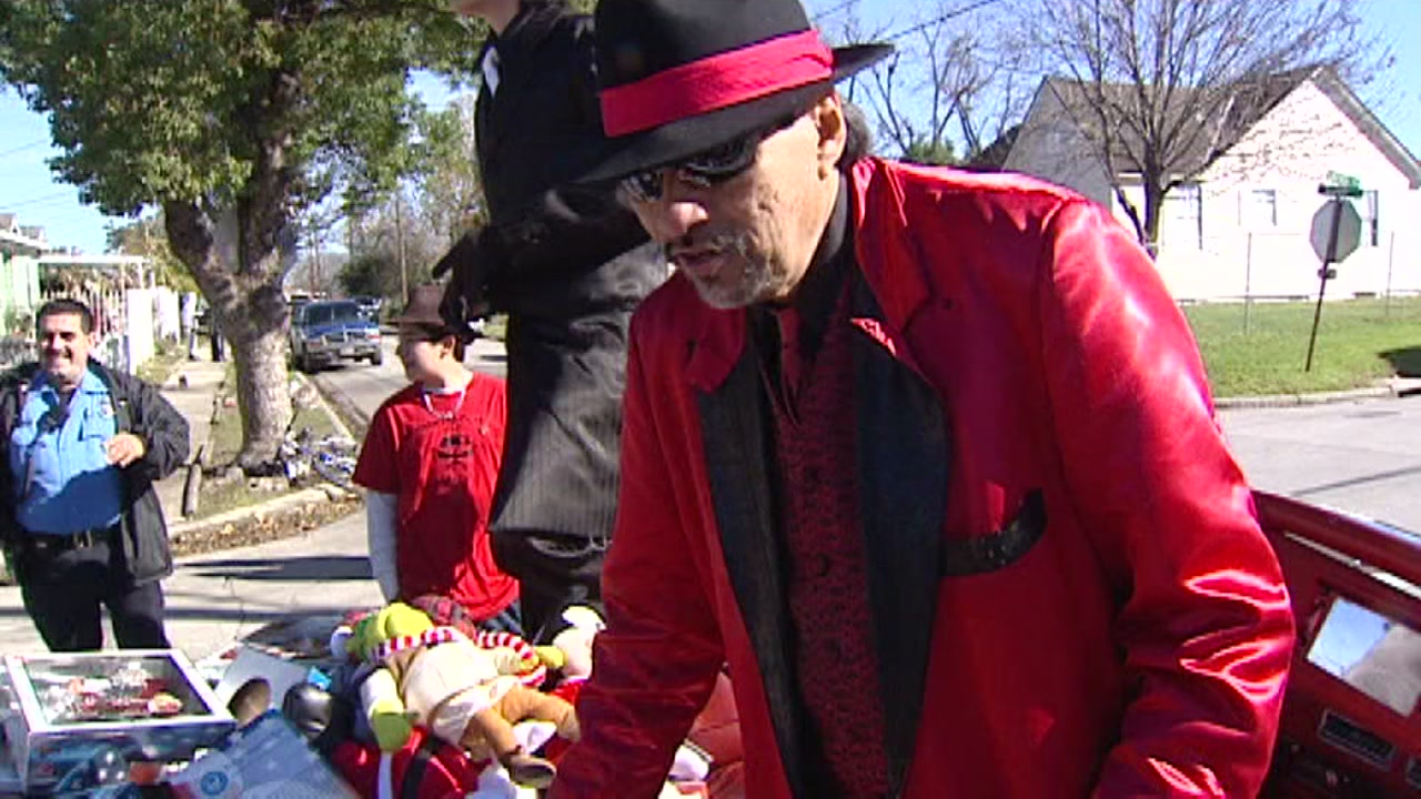 Tex-Mex holiday tradition of Pancho Claus continues in Houston