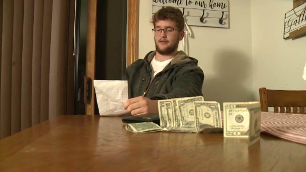 Stranger returns lost wallet with $40 extra inside