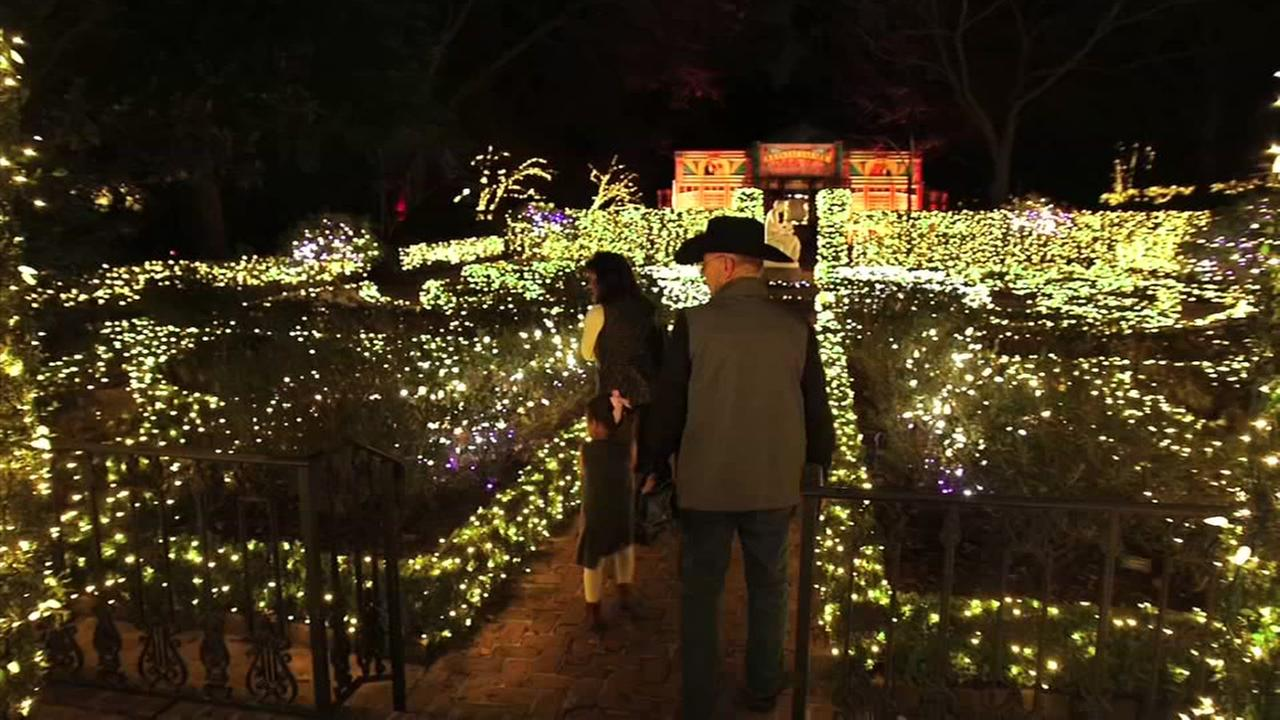 christmas village at bayou bend abc13com - Christmas In The Bayou