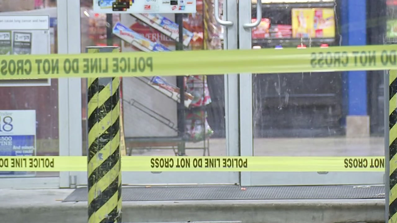 Man with machete shot during fight at gas station