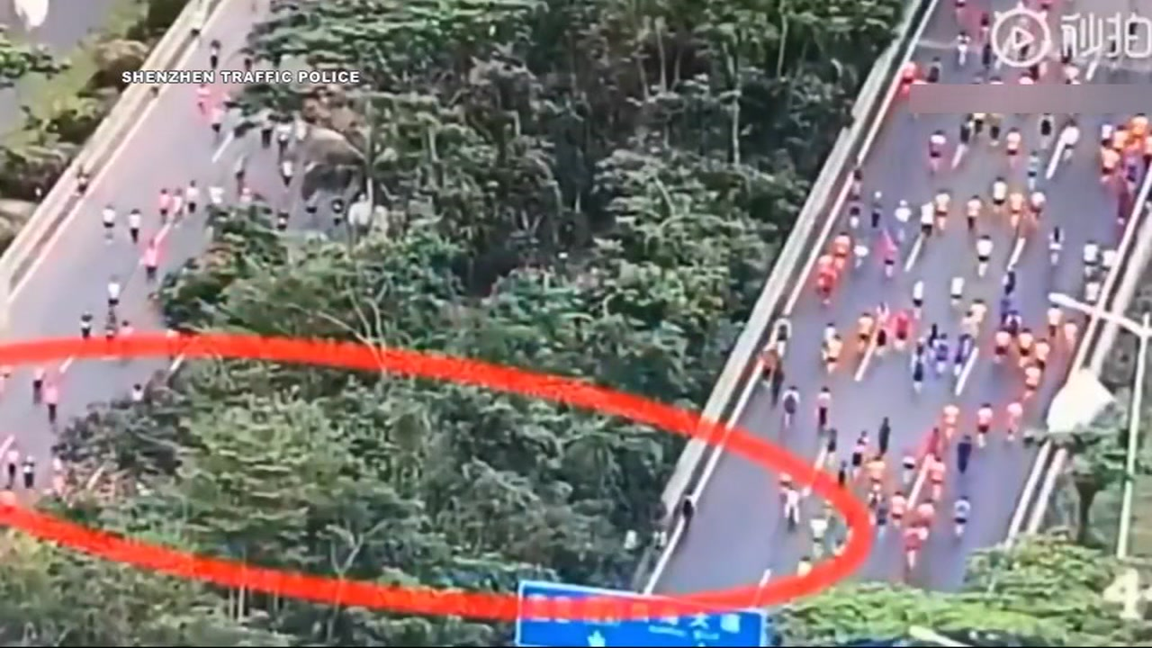 Cheating marathoners caught on camera taking shortcut