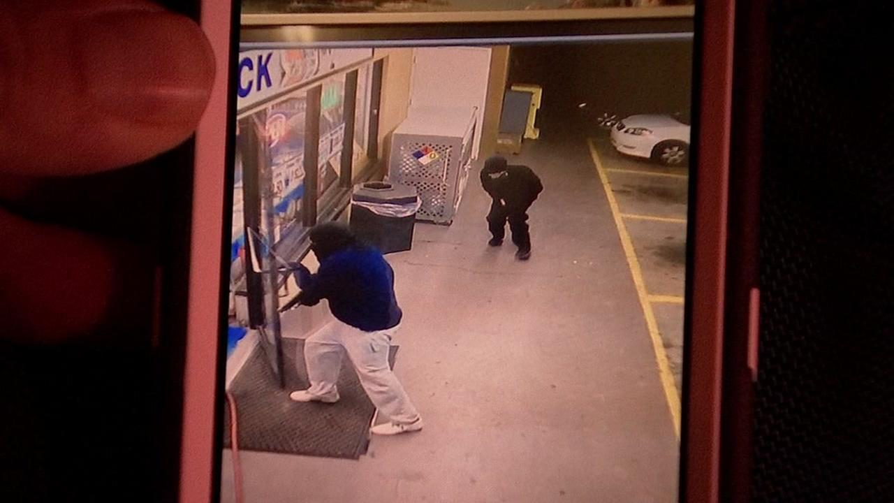 Clerk killed in robbery
