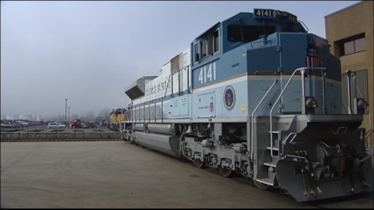 President George H.W. Bush to be transported to Texas A&M presidential library aboard Bush 4141.