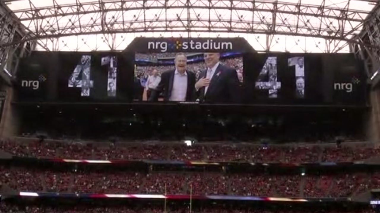 REMEMBERING 41: Just one week after the passing of Texans owner Bob McNair, the team honored another one of Houstons icons.