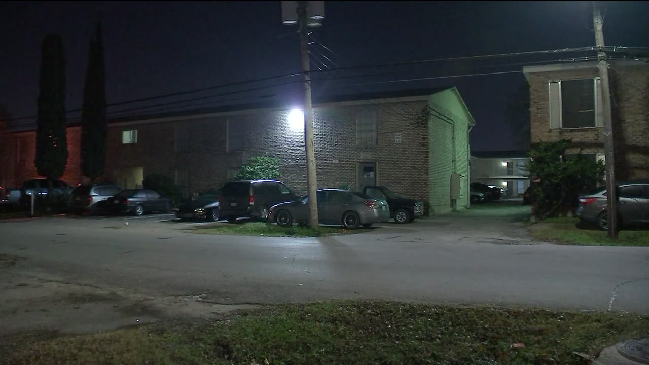 2 people shot possibly over parking spot or speeding through apartment complex in SW Houston