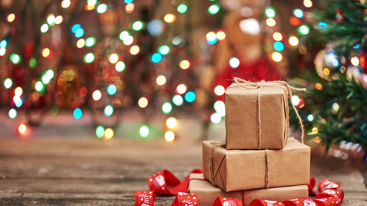 Be aware of shipping deallines this holiday season