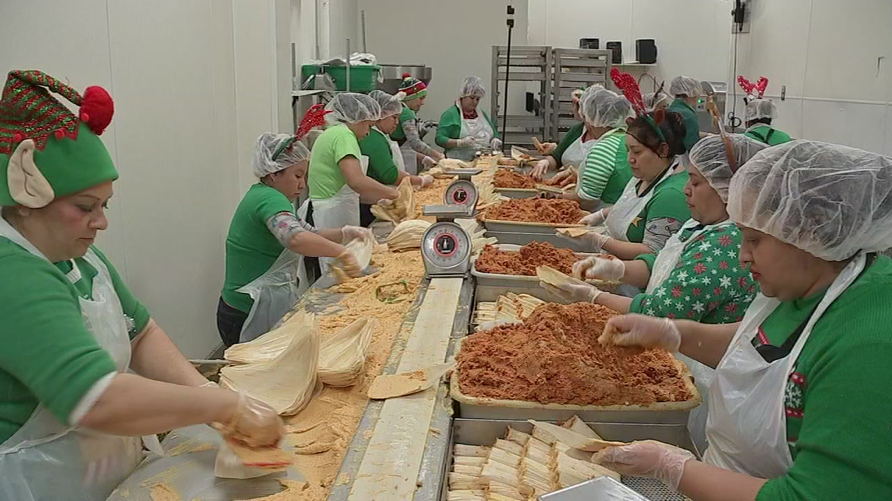 Are you quick at making tamales? This popular spot needs your help!