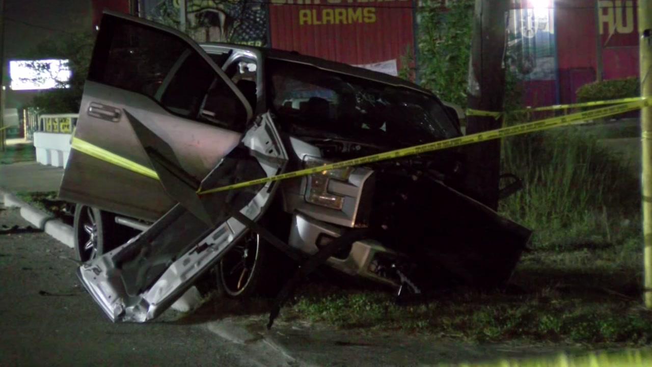 1 killed in crash in South Houston