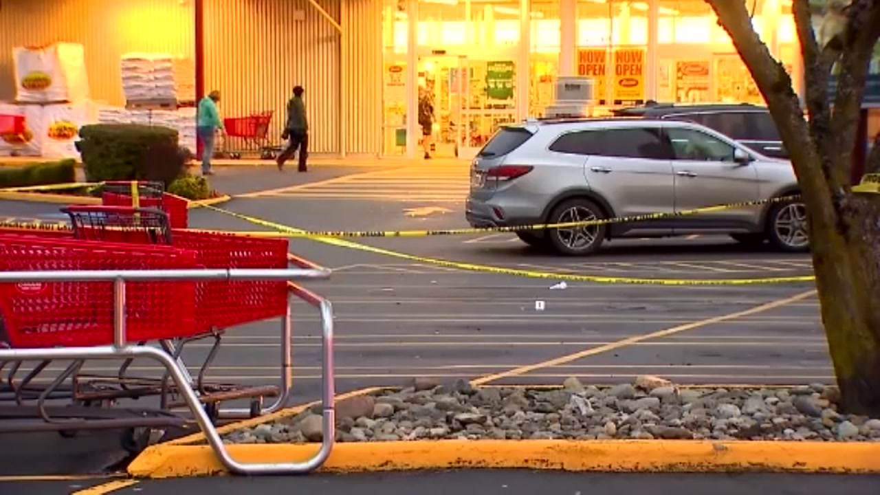 Bystanders with guns stopped shoplifters in Marysville, Washington.