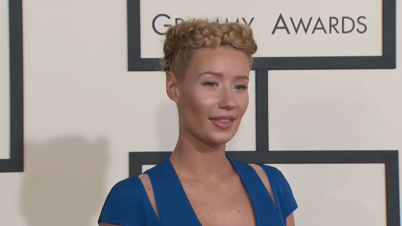 Iggy Azalea criticized for continuing to perform while back up dancer has seizure.