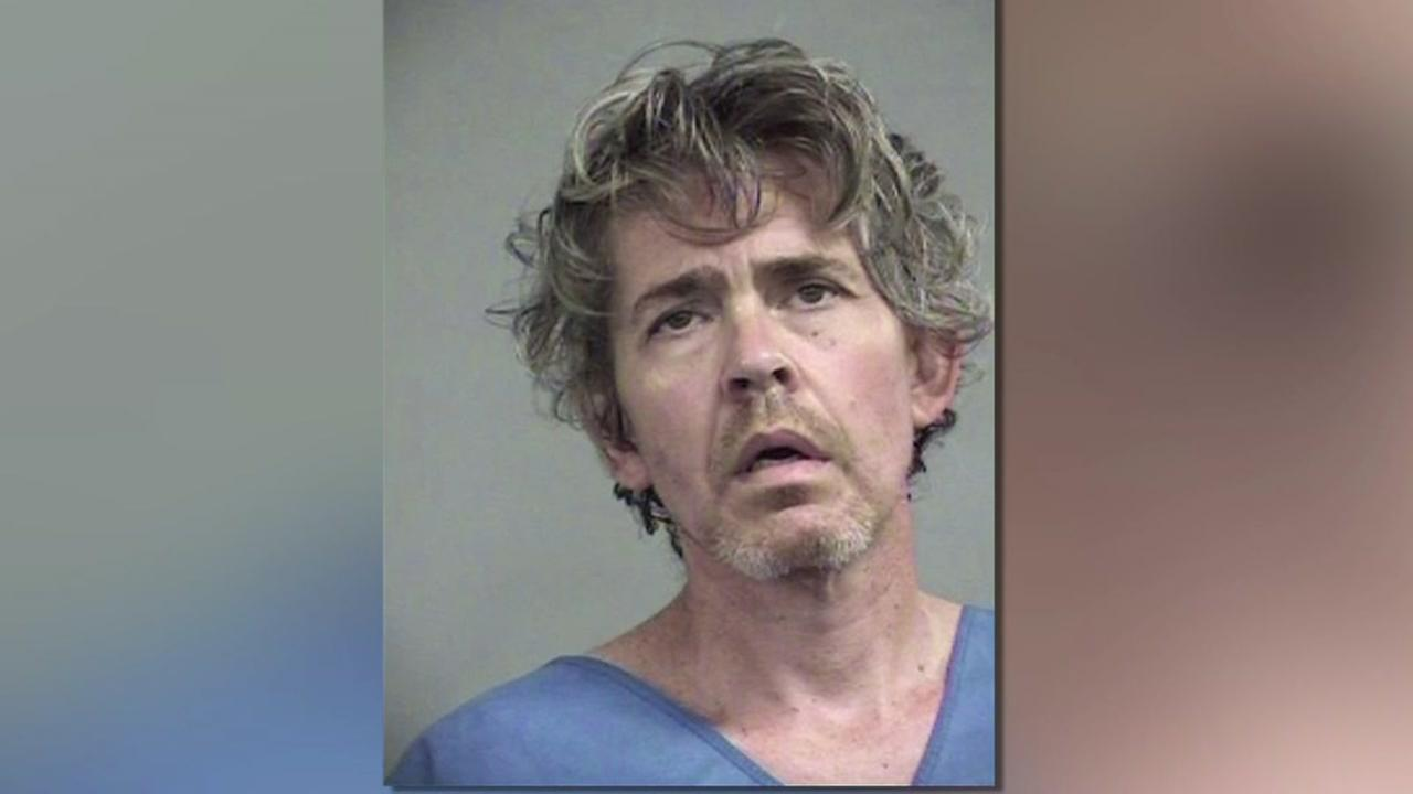 Man accused of living with girlfriends corpse