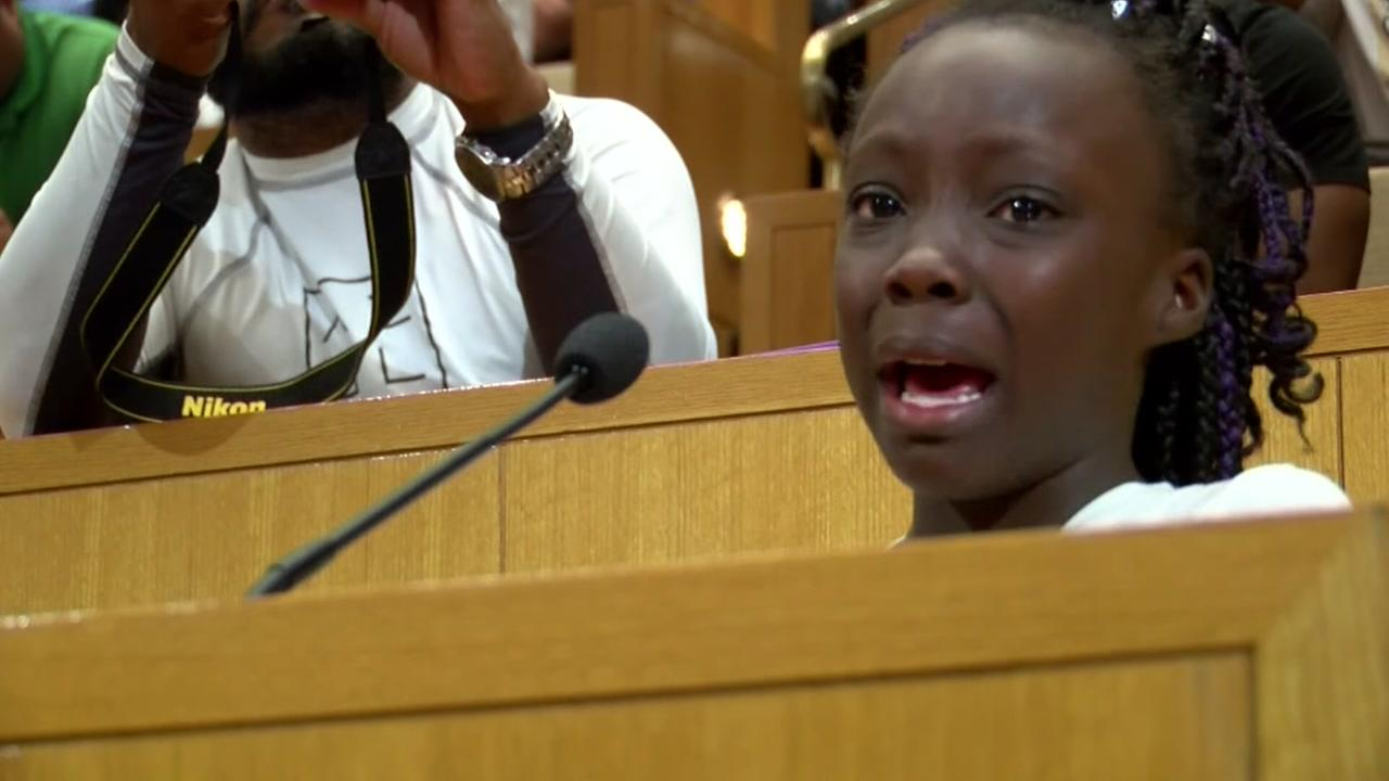 Girl makes tearful address before Charlotte city council