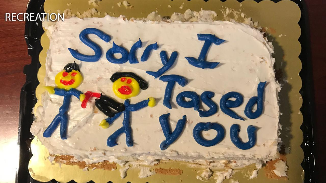 Sorry I Tased You Cake Doesnt Cut It For Florida Woman Abc7
