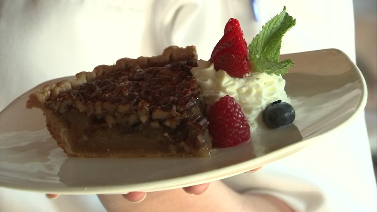 Lets Eat: B&B Pecan Pie