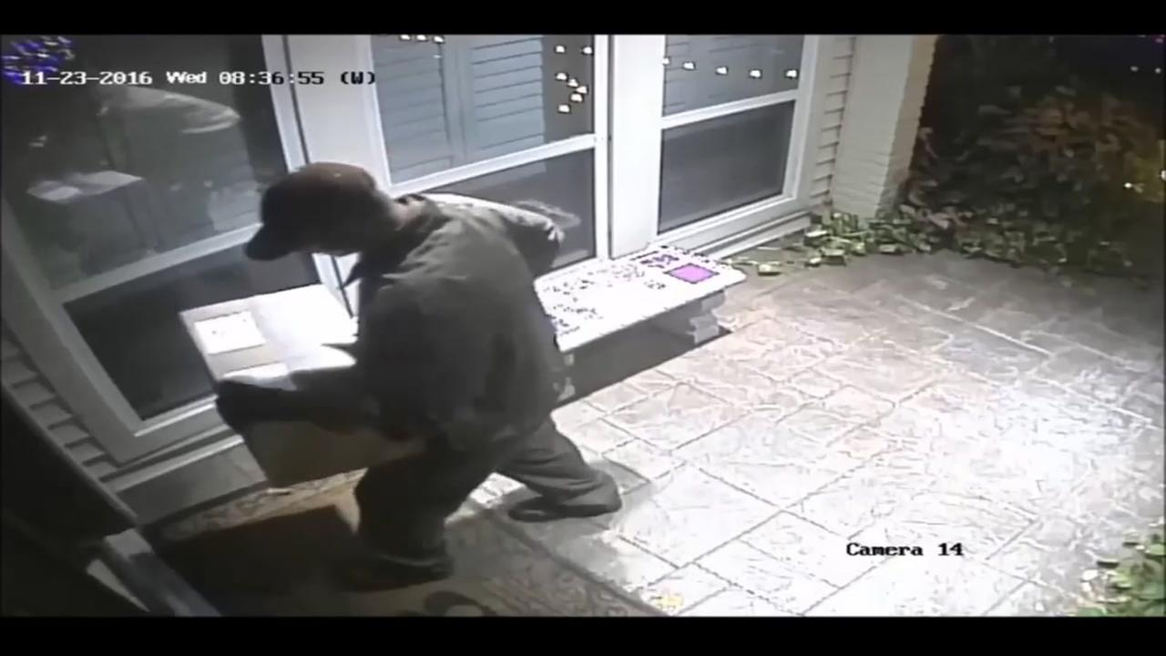 Robber dresses up as UPS driver