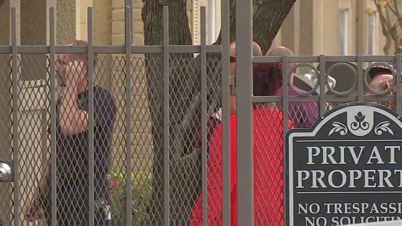 Carbon monoxide leak forces residents out of apartment complex