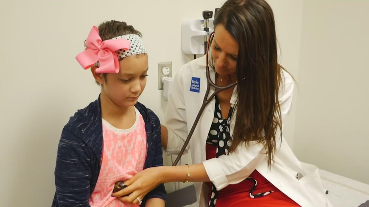 Young patient beats rare form of cancer at TX Childrens