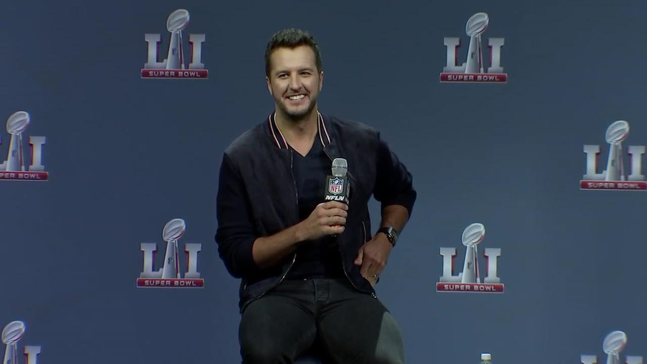 Luke Bryan: I'll 'follow my heart' during National Anthem ...