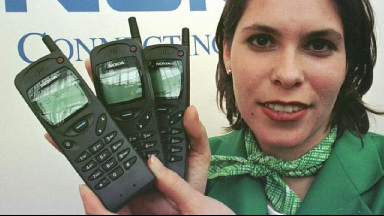 Nokia bringing back old brick phone