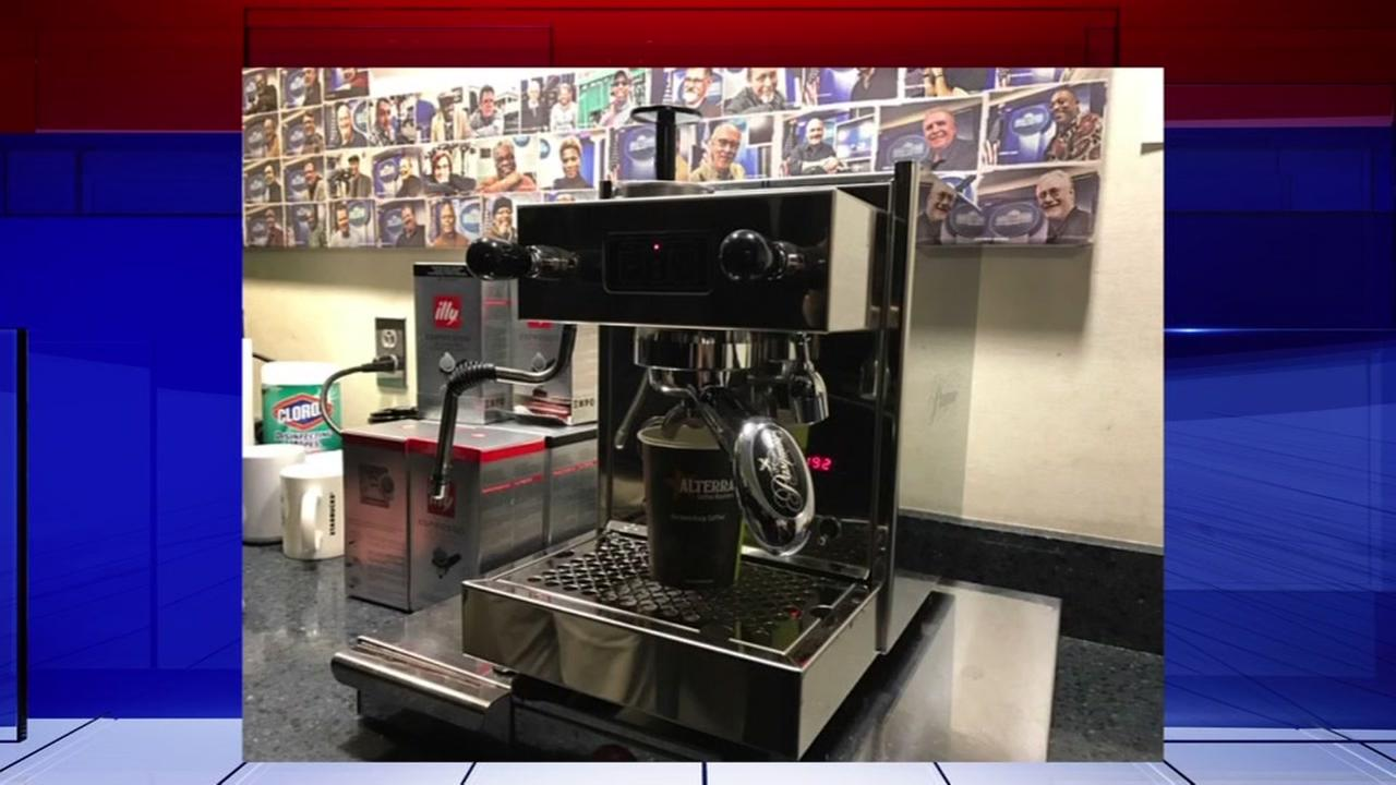 Tom Hanks buys new coffee maker for White House reporters