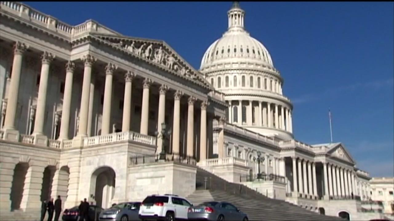 House panel OKs health bill, industry groups say no