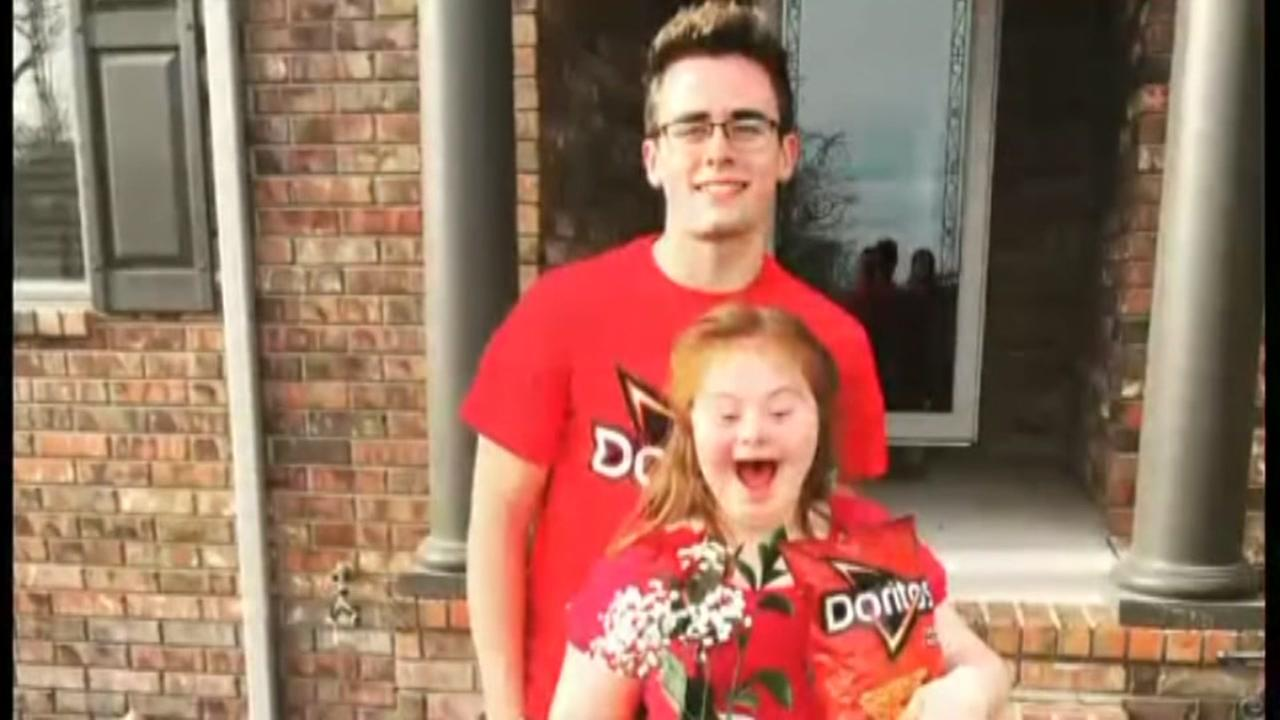 Teens cheesy promposal to girl with Down syndrome goes viral