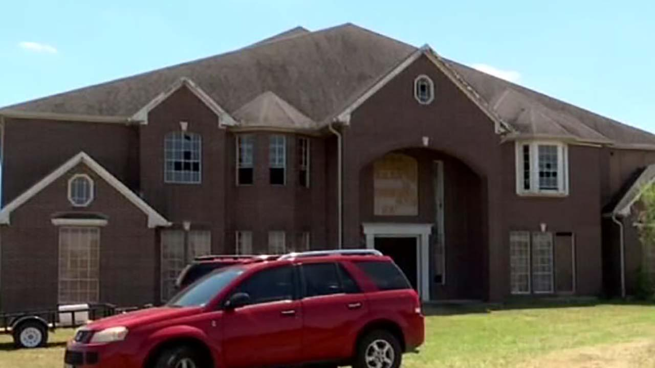 Owner to allow check on a vet to use Manvel mansion rent free