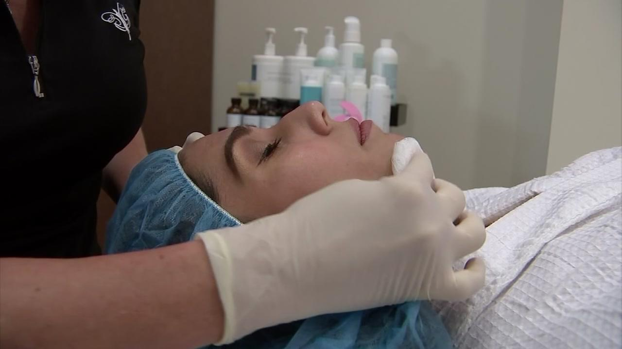 Dermaplaning facial treatments helps give your radiant skin.