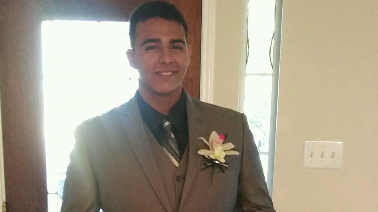 Family searching for driver who hit teen on the way home from prom