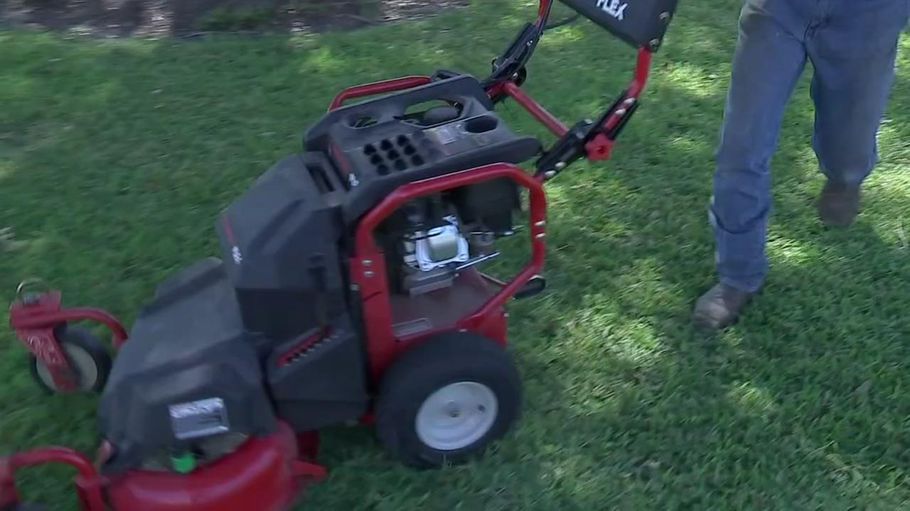 New apps help users connect with lawn care pros.
