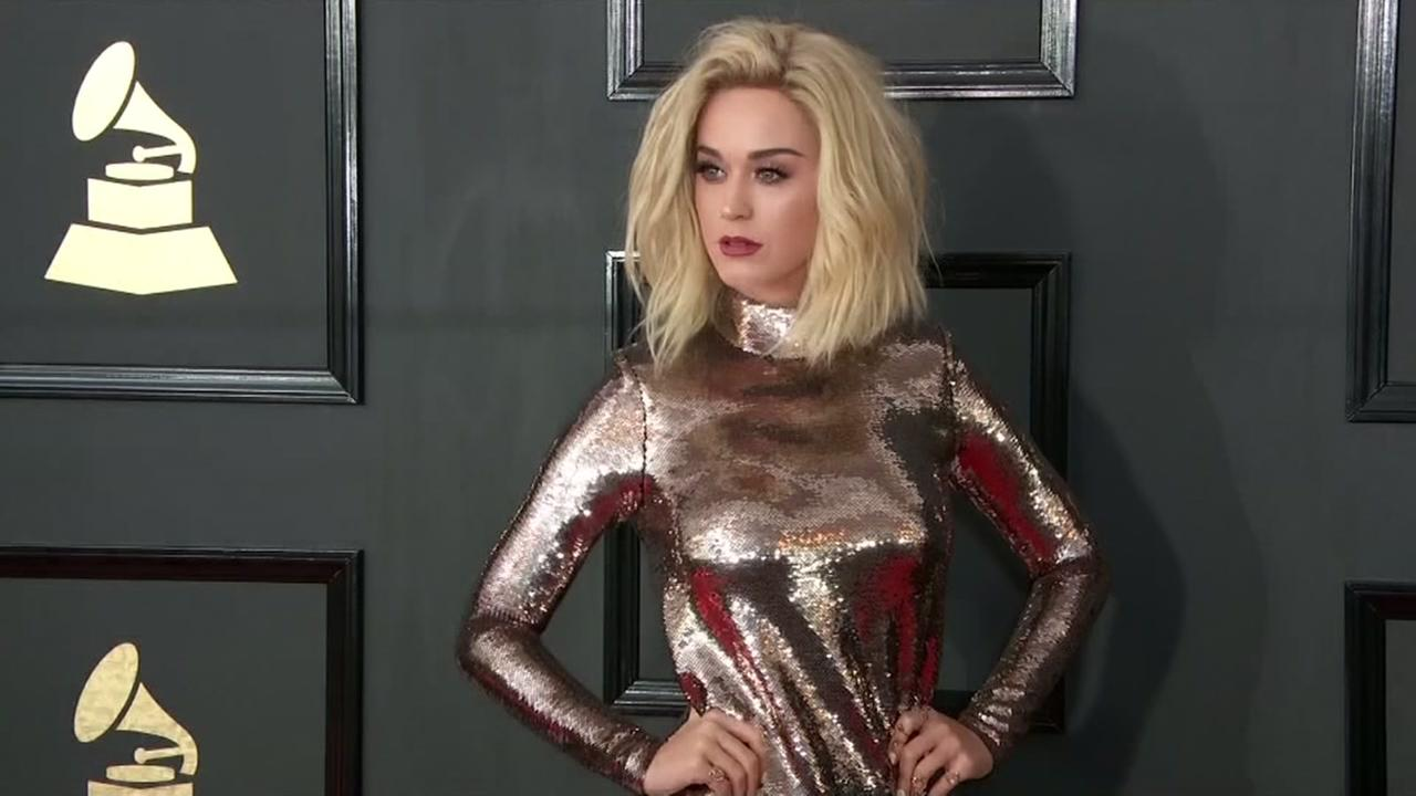 Katy Perry breaks Twitter record, reaches 100 million followers
