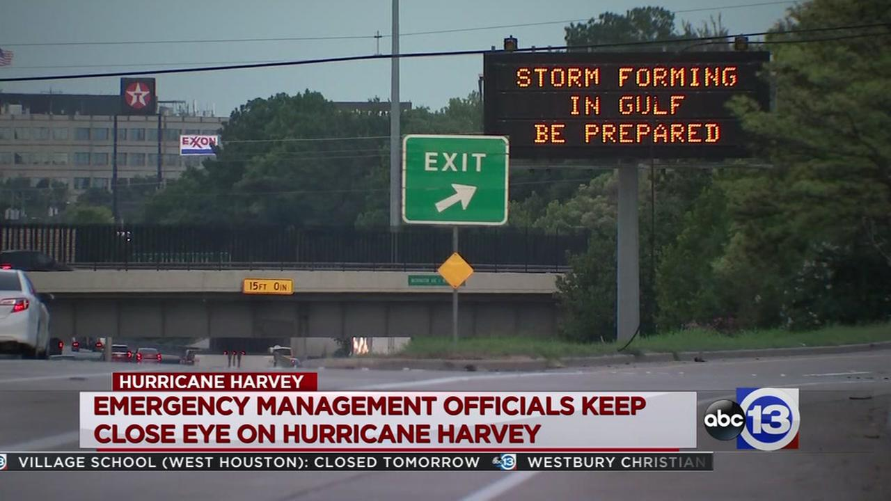 Steven Romo reports on Houstonions preparing for the storm