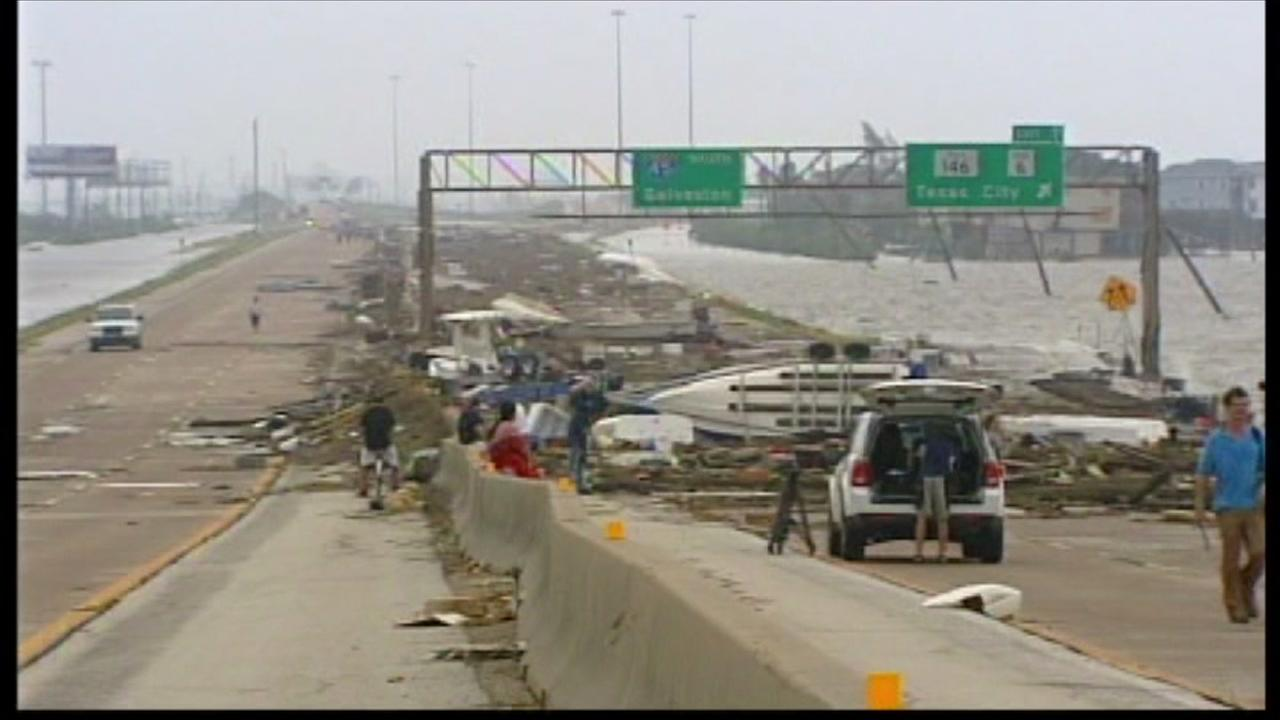 In 2008 Hurricane Ika cause massive damage in Galveston, Houston and Bolivar
