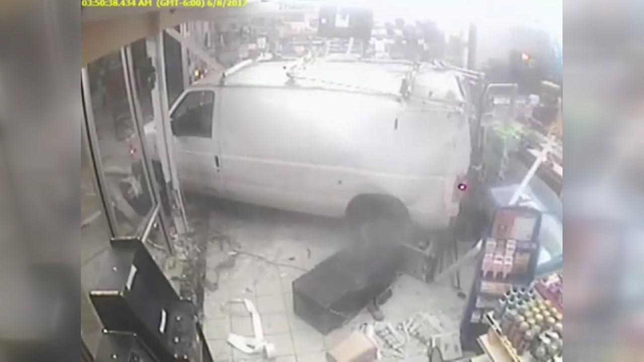 Would-be robbers caught on video ramming van into store in SW Houston