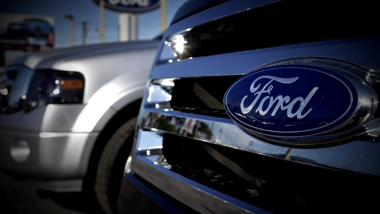 Ford pressured to issue recall