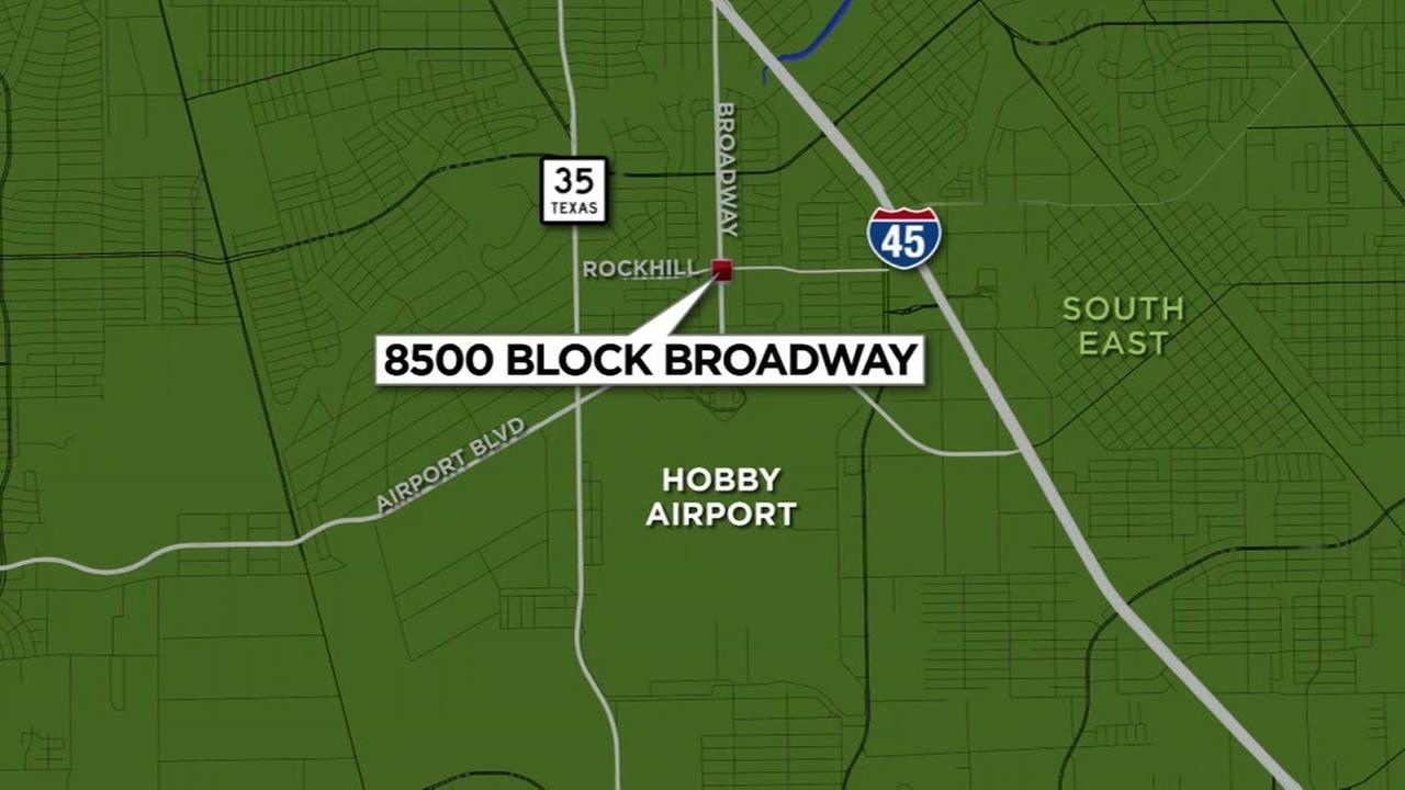 2 elementary students hit by car in SE Houston
