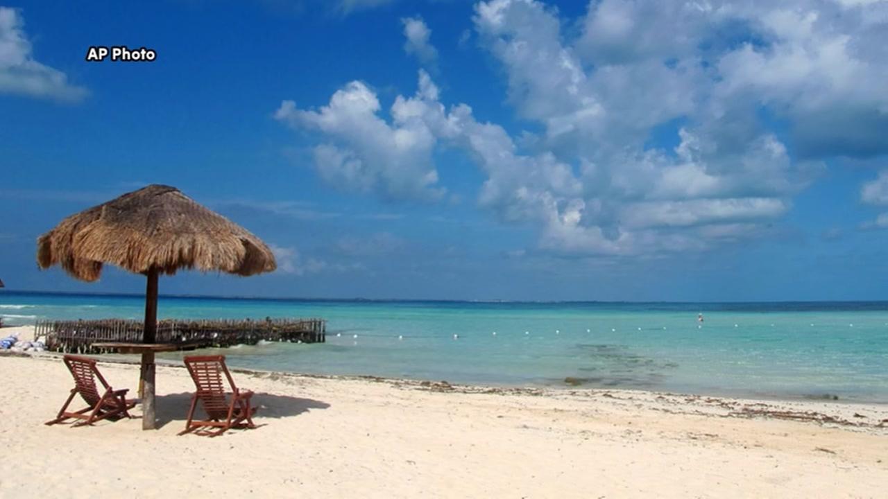 DREAM JOB: Live in Cancun, snap pics, make $60,000