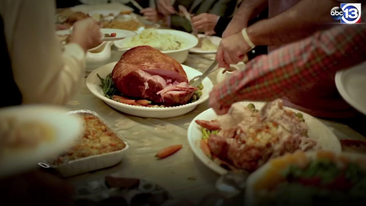 Dont overdo it: Ways to keep Thanksgiving feasting in check