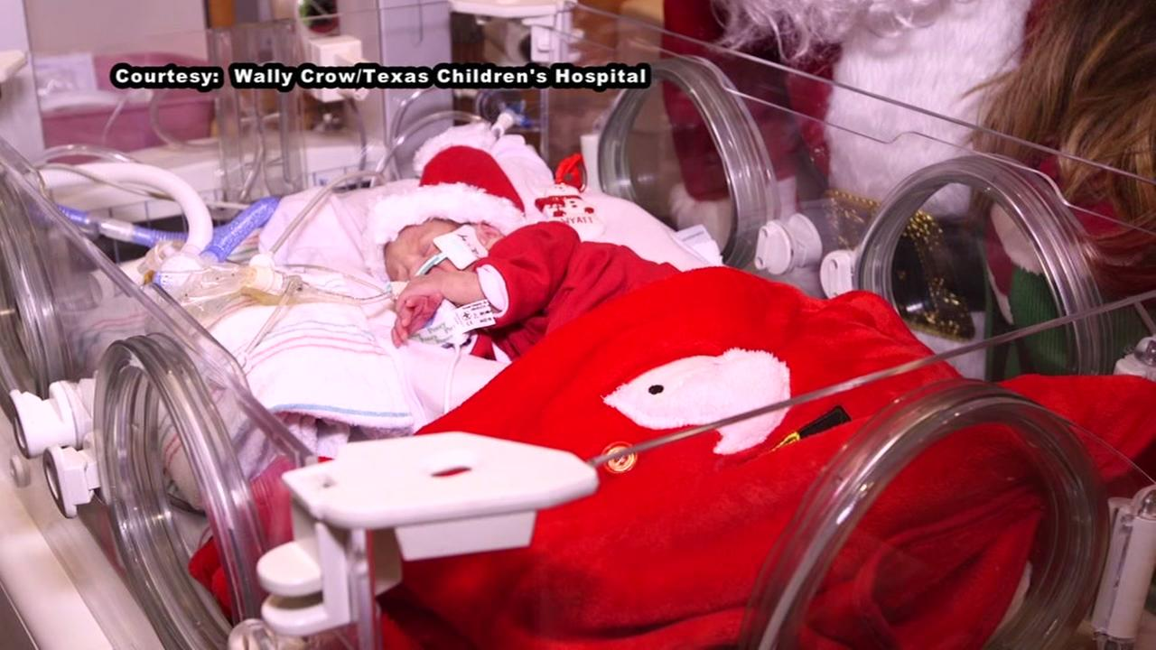 Santa visits babies in the NICU