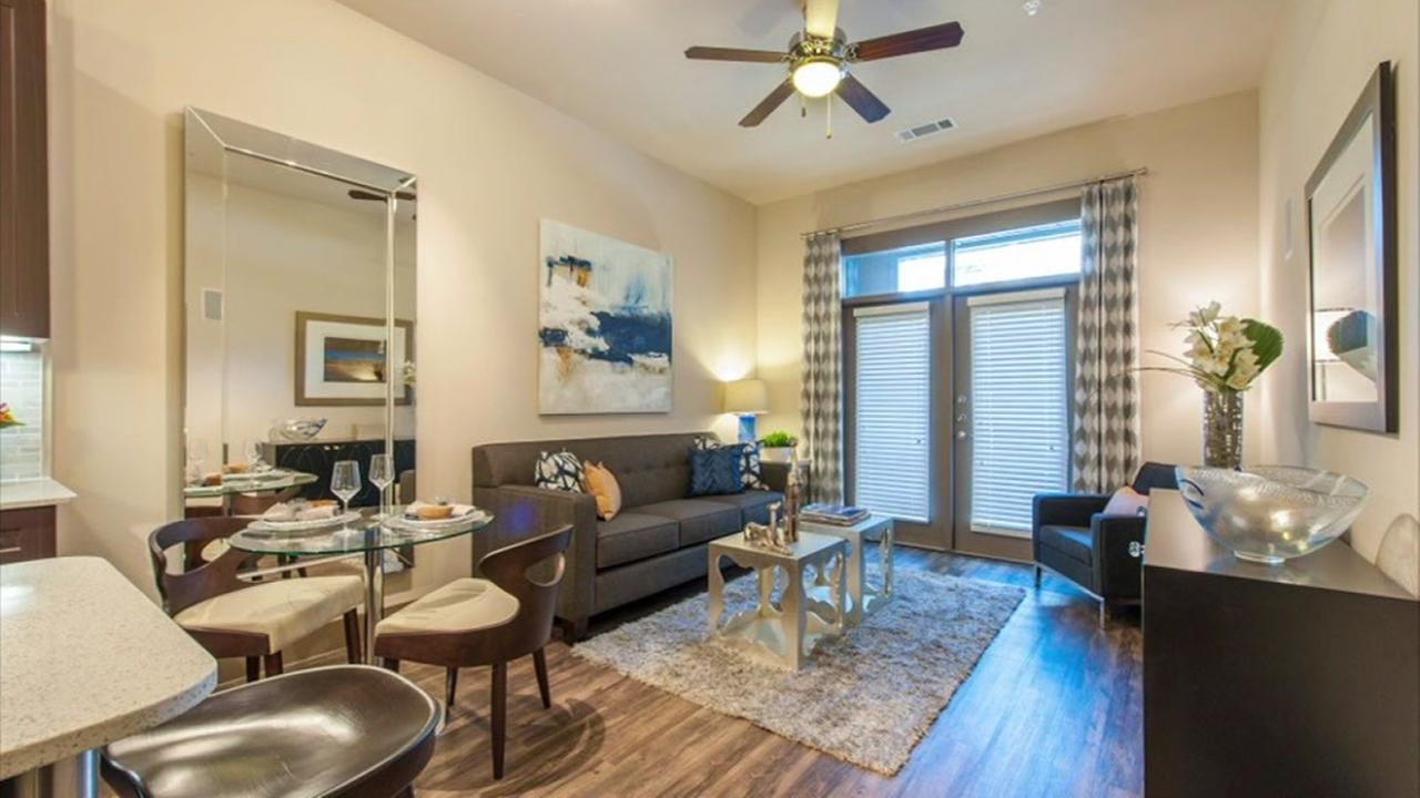Apartments you can rent for less than $1100 a month in Houston