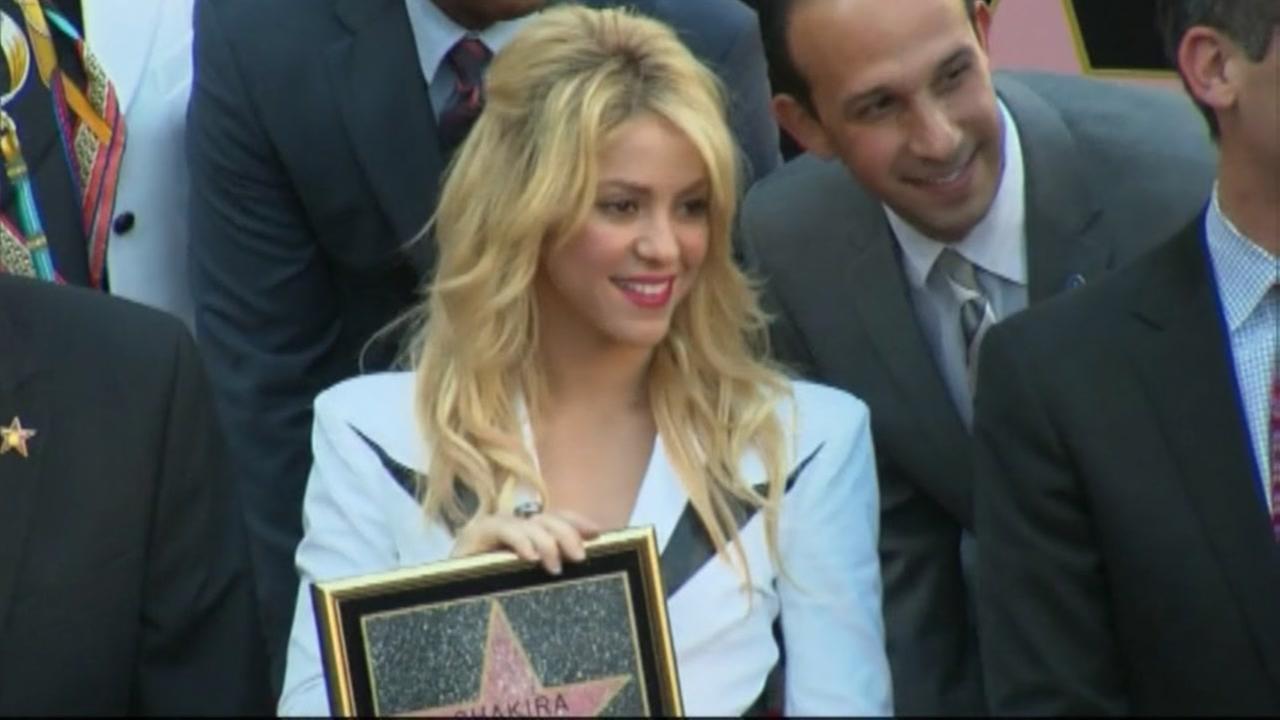 Shakira postpones Houston concert to rest her vocal cords
