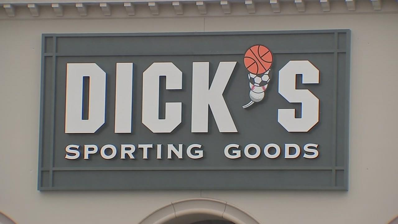 Dicks to honor price on Astros merchandise after pricing fiasco