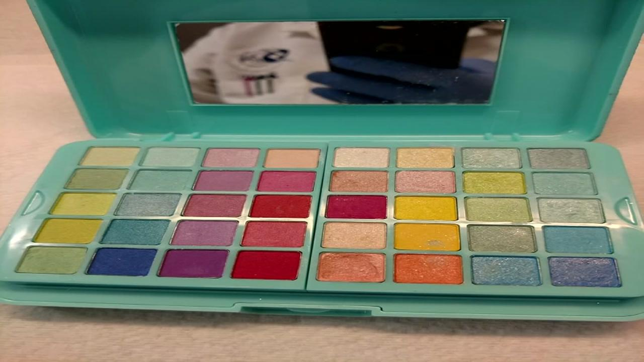 Claires says tests show no traces of asbestos in makeup