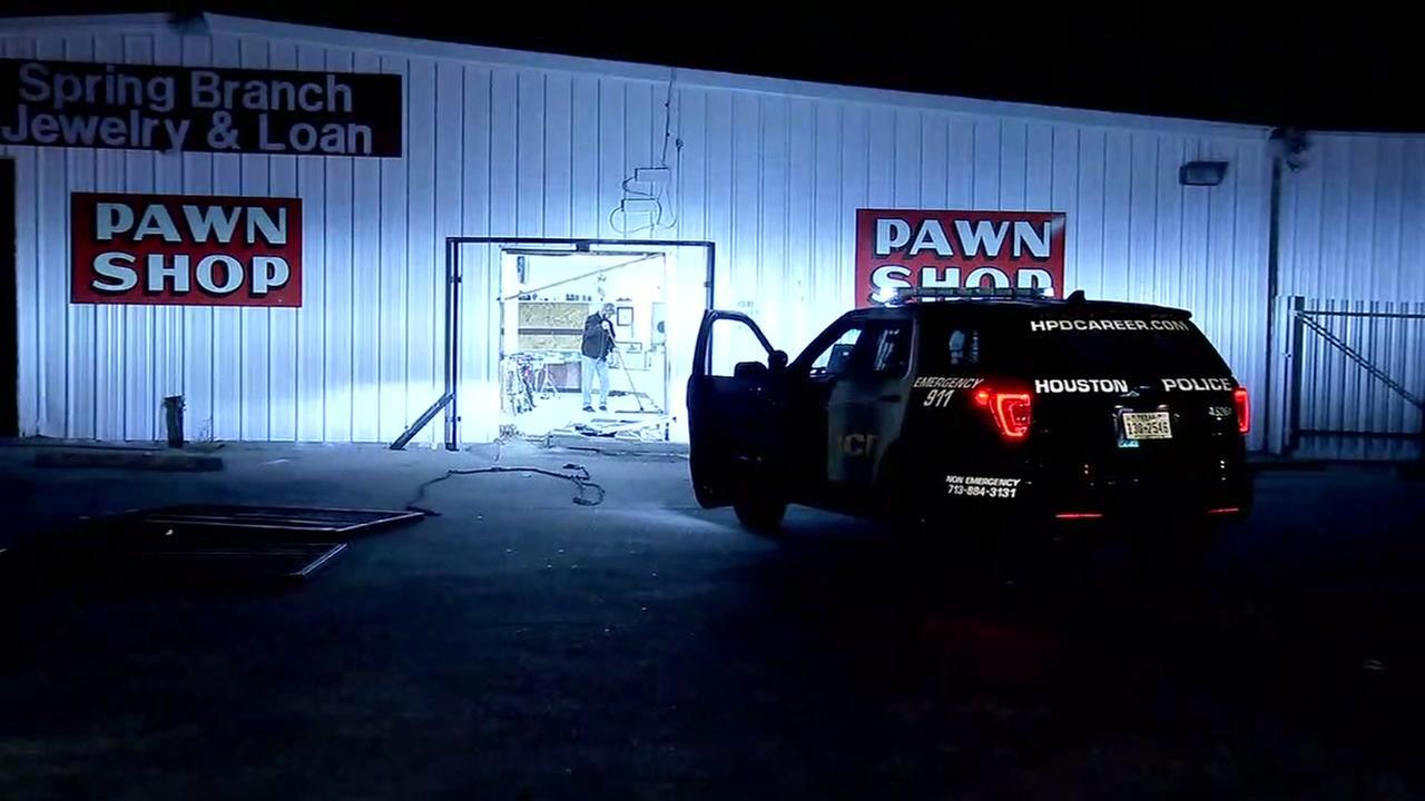 Pawn show smash grab