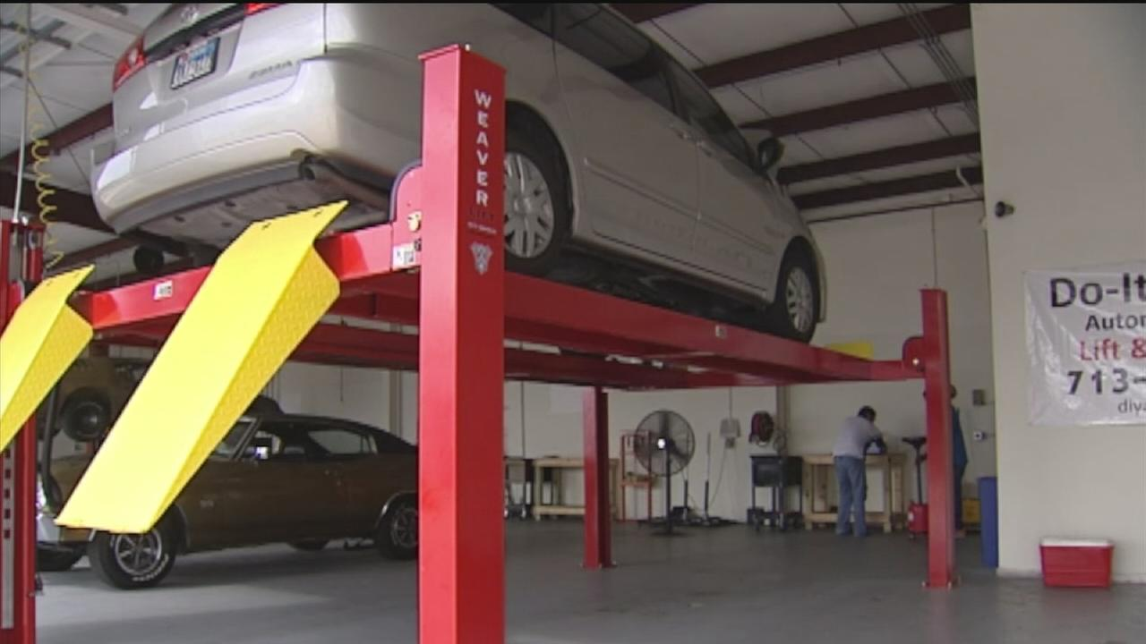 New business concept in houston offers garage space for rent abc13 solutioingenieria Gallery