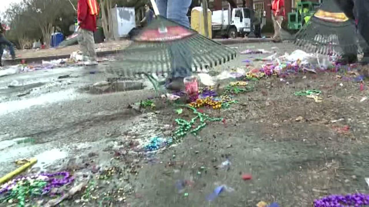 Mardi Gras cleanup