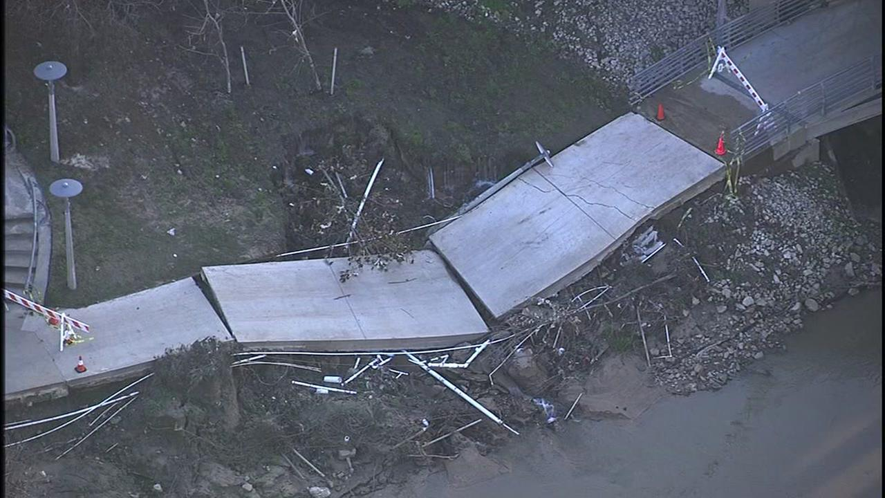 Buffalo Bayou bike trail collapses in downtown Houston