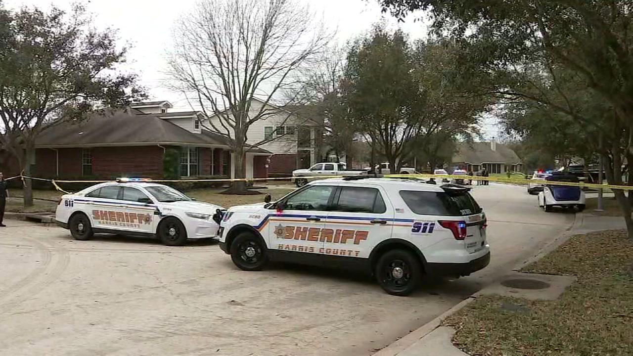 2 injured in shooting
